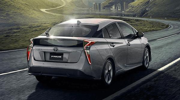Como-Toyota-Prius-te-puede-ayudar-a-mejorar-el-mundo_prius